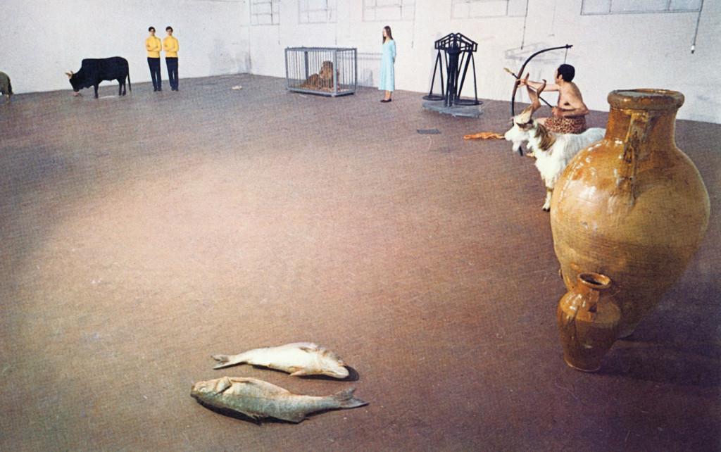 Zodiaco (1970). Veduta della performance presso la galleria L'Attico, Roma.